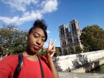 Peace sign selfie ft. Notre Dame de Paris - Laura Spoonie