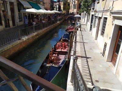 Gondolas Venice, Italy - Laura Spoonie